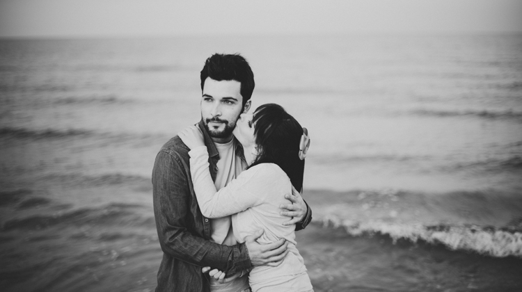 DoblelenteBoda - Love Session en la playa - preboda en la playa